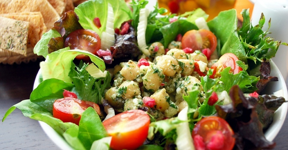 salada-baruk-1355954278077_956x500